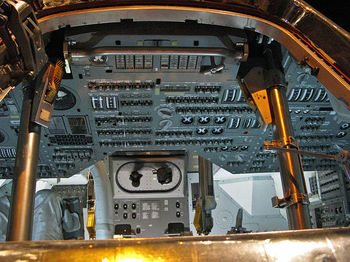 Interior_of_Apollo_Capsule.jpg