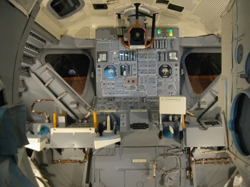 apl_lunar_excursion_module_interior800.jpg